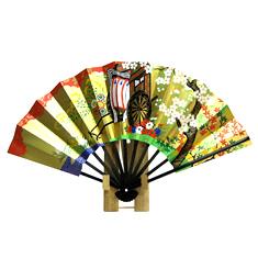 金地と朱色の背景に華やかな御所車が描かれた京扇子です。