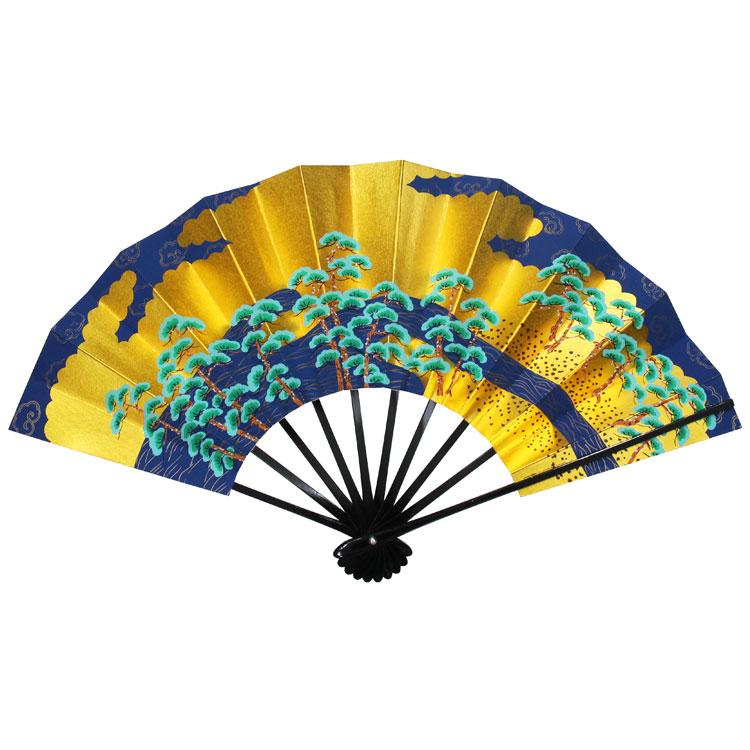 日本海の立派な松原を描いている京扇子です。