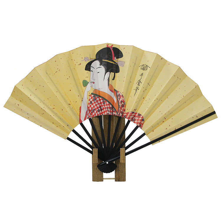 浮世絵芸術の原点を築いた絵師の哥麿を描いた京扇子です。