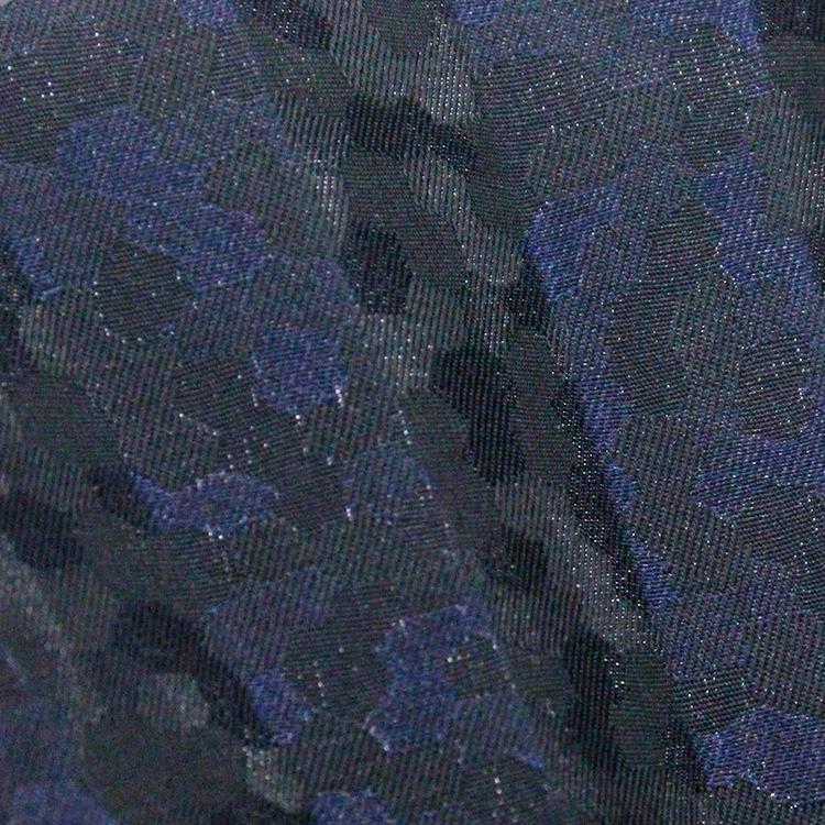 正六角形(ハニカム)柄をジャガード織りで立体的に表現しました。