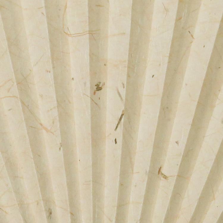 竹の風合いを活かした3種類の扇面。