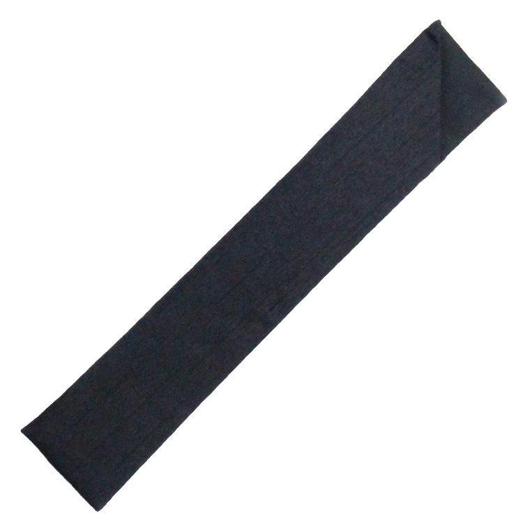 扇子袋は全色共通でシンプルな黒の袋です。