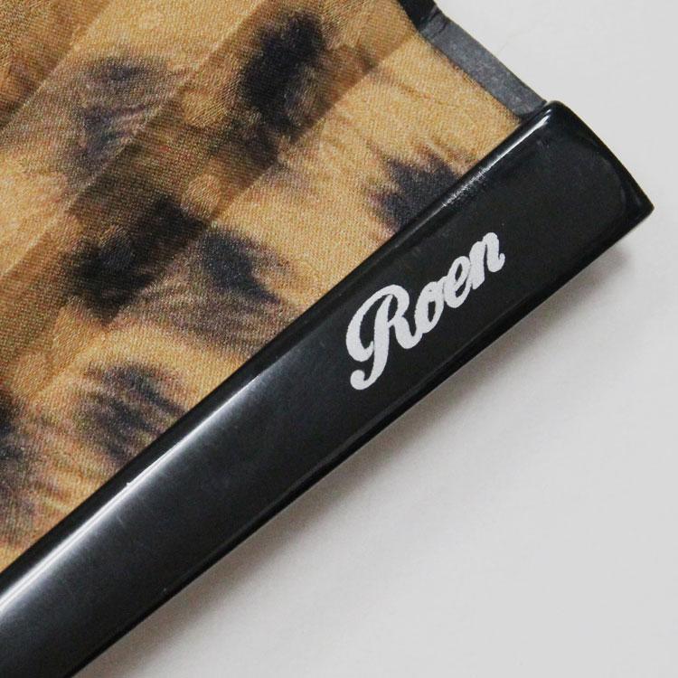 艶やかで高級感のある塗り骨にRoenロゴが入っています。