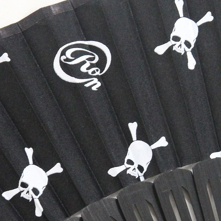扇面は「Roen」のロゴとスカルのモノグラムです。