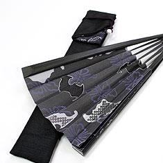 扇子袋は裏地が綿で、繊細な紙扇子をやさしく守ります。
