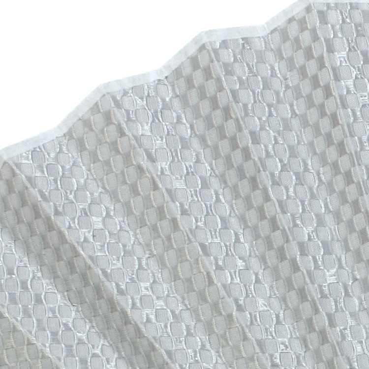 扇面は年代を問わず人気の市松模様をアレンジしました。