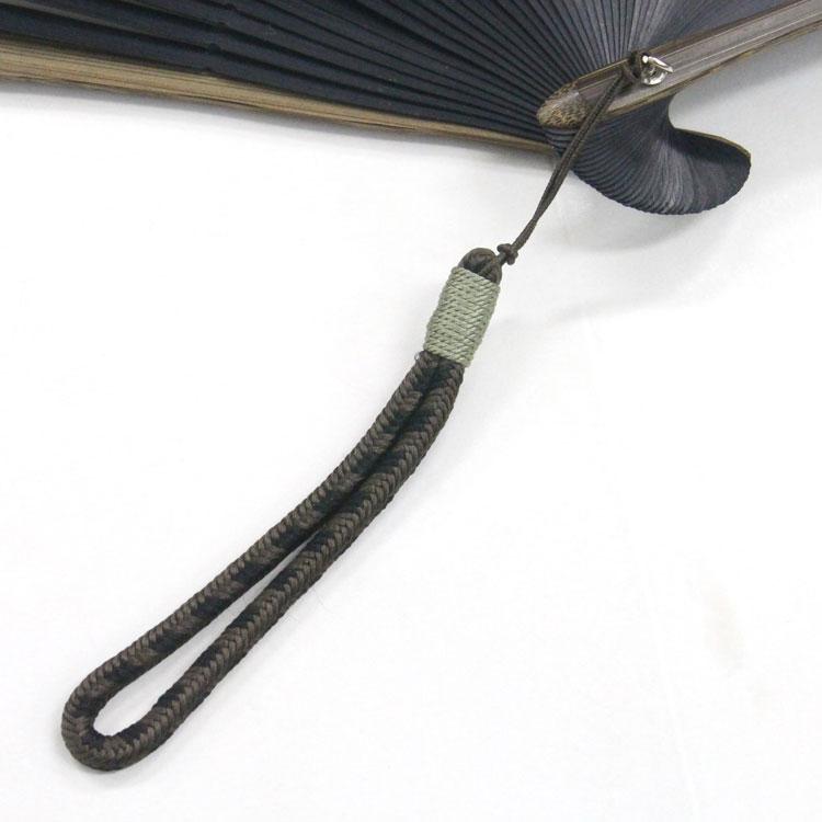 正絹の京組みひもを使用した、こだわりのチャームです。