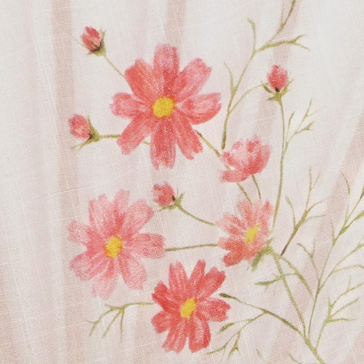扇面には12か月の誕生花がそれぞれ描かれています。