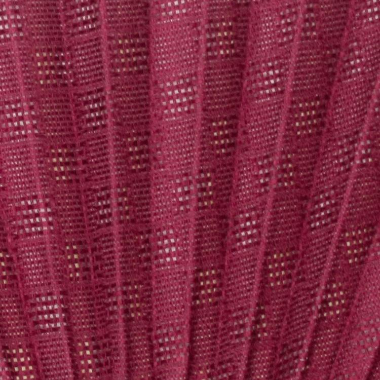 透明感のある市松文様のシルクの織り生地を日本古来の伝統色で染め上げました。
