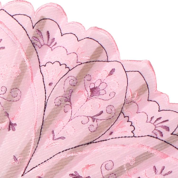 花びらをイメージしたカット