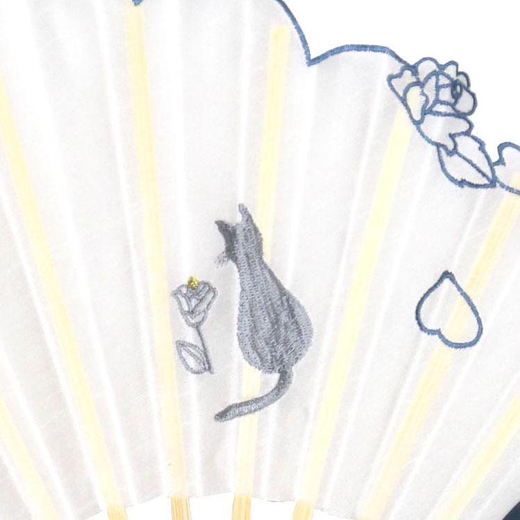 猫の刺繍アップ ブルー