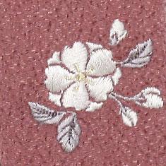 扇子袋にはワンポイントで桜の刺繍がされています。