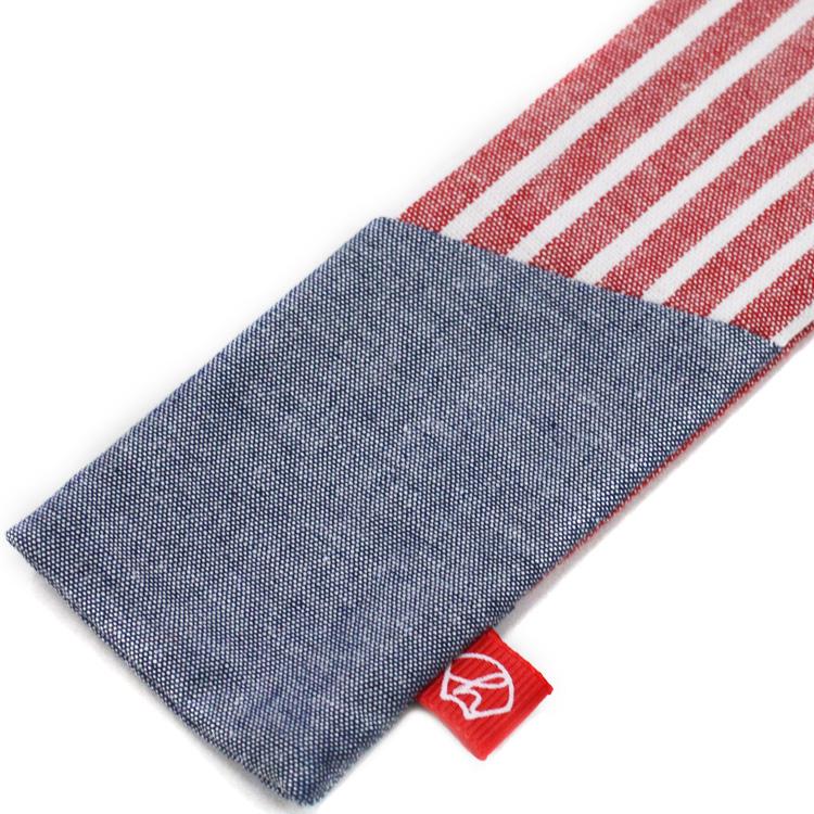 扇子袋は扇子と同じ生地を使用しています。赤のネームタグ付きです。