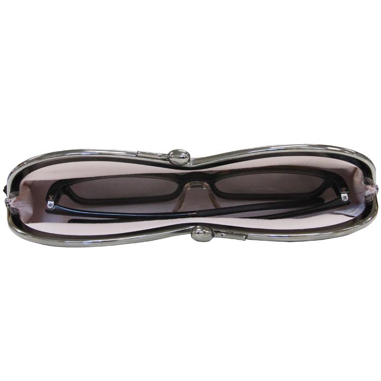 眼鏡を入れた状態